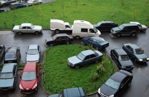 Парковка во дворах жилых домов
