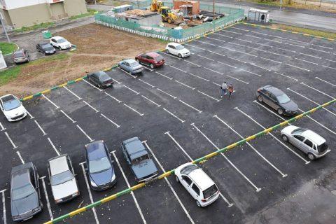 Парковка согласно требованиям ПДД во дворах многоэтажных домов