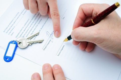 Подписание договора субаренды нежилого помещения